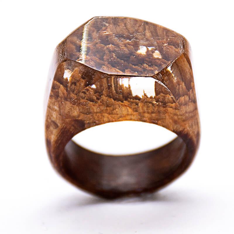 انگشتر چوبی 68